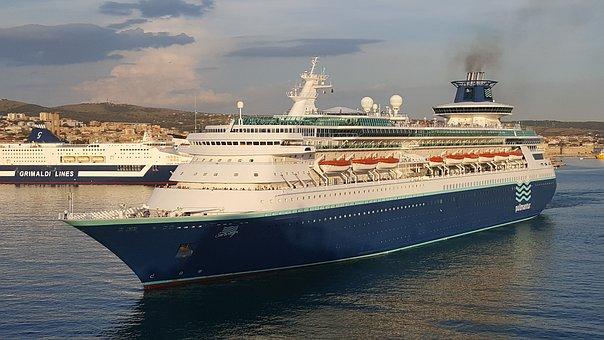 cruise-ship-3808995__340